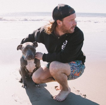 Niklas Knoph and Captain Blue, a homeless foster dog .