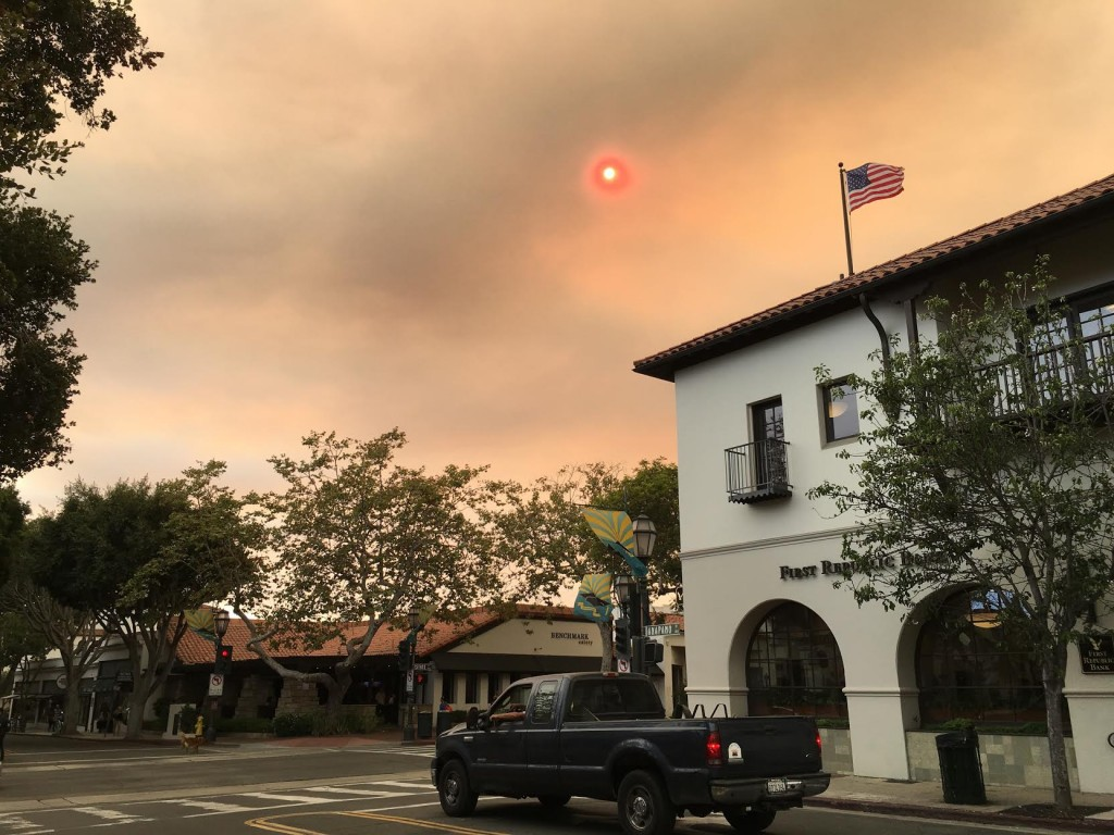 No filter needed. The Rey Fire, as seen from state street, Santa Barbara. Vegard Vaagnes