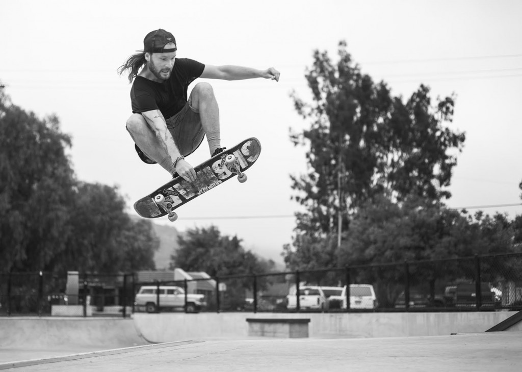 Finals are here, and I am stressed. I pick up my camera and disappear. Niklas Knoph at Ojai Skatepark. Photo by Vegard Vaagnes.