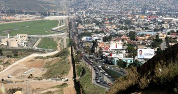 Photo credit: https://upload.wikimedia.org/wikipedia/commons/thumb/0/0b/Border_USA_Mexico.jpg/1280px-Border_USA_Mexico.jpg