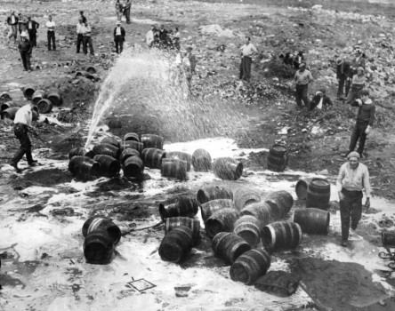 prohibition-beer-raid-1931