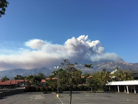 The fire cloud from the mountain in Santa Barbara. - Chin Hei Kong